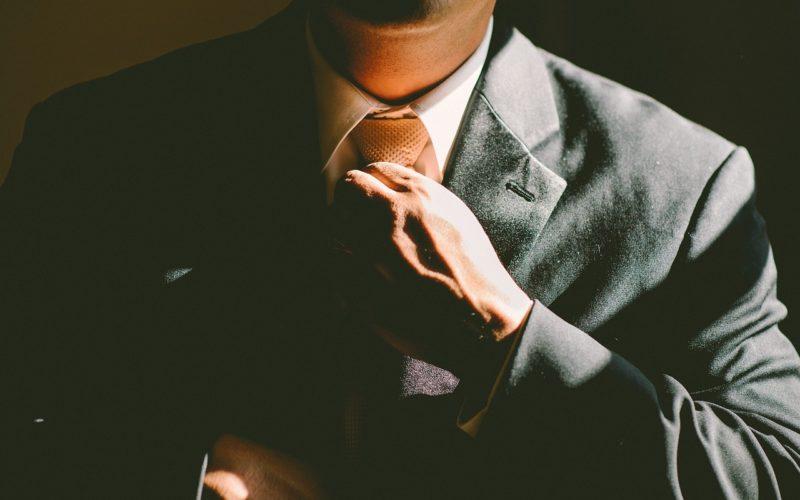 wiązanie krawata