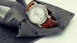 krawat i zegarek